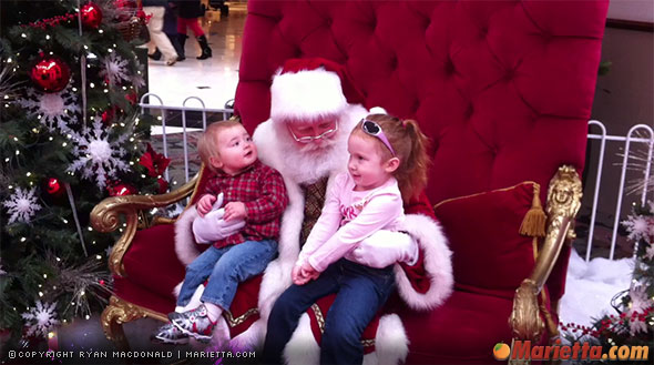 Photos with Santa at Town Center Mall